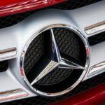 車のロゴを一覧で紹介!ライオンマークのメーカーは2種類!?